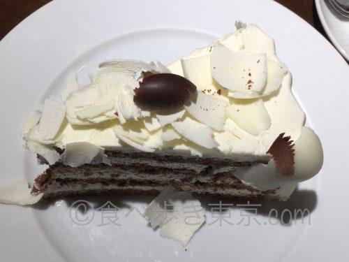 ブラック&ホワイトチョコレートケーキ