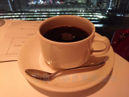 丸ビルレストラン「オザミトーキョー」のコース料理(コーヒー)