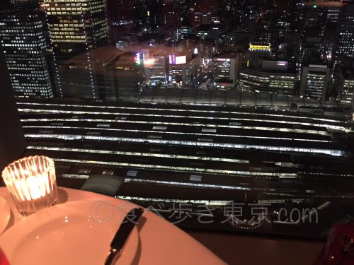 丸ビルのレストラン「オザミトーキョー」の眺望(夜景)2