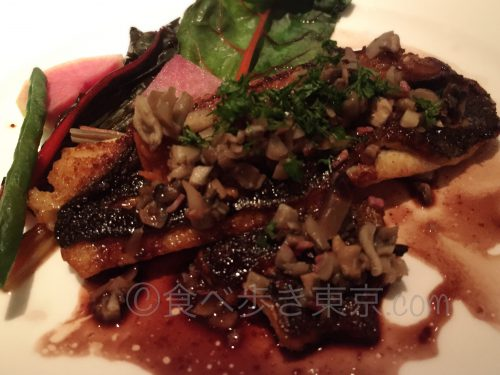 丸ビルレストラン「オザミトーキョー」のコース料理(魚をアップで)