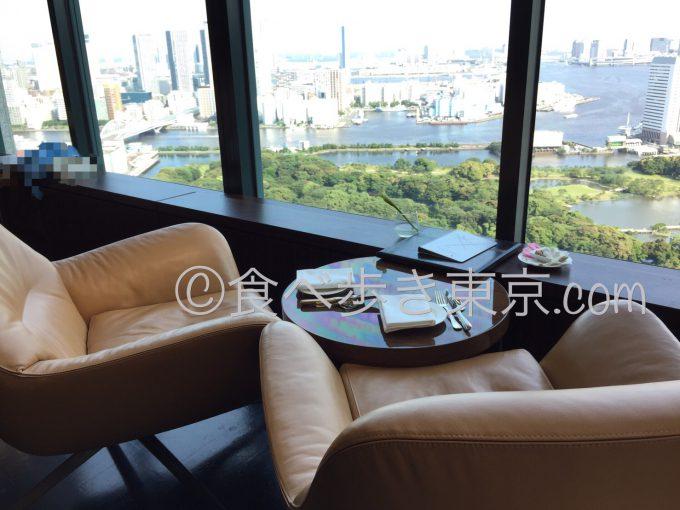 ホテルコンラッド東京のラウンジ「トゥエンティエイト」