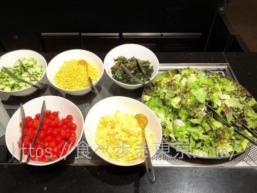 京王プラザランチバイキングのサラダ