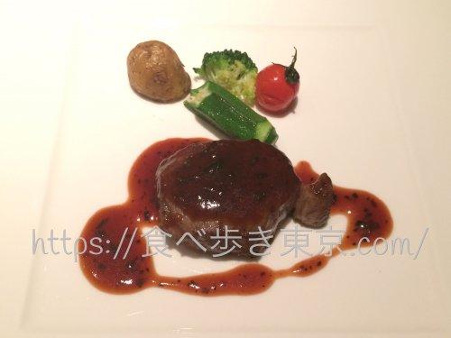 東京ベイ舞浜「カーニバル」で食べたコース料理のステーキ