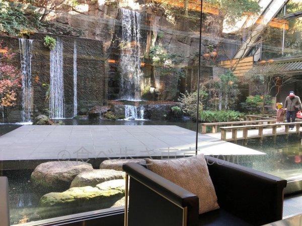 ホテル雅叙園東京カフェラウンジ「パンドラ」から見える庭園