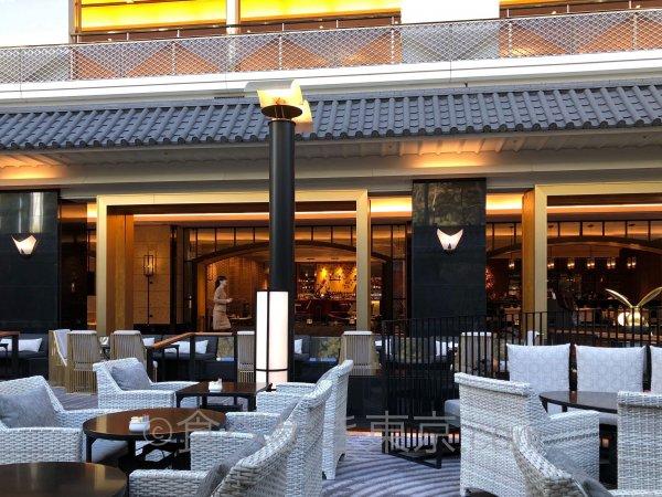 ホテル雅叙園東京カフェラウンジ「パンドラ」から通路を見たところ