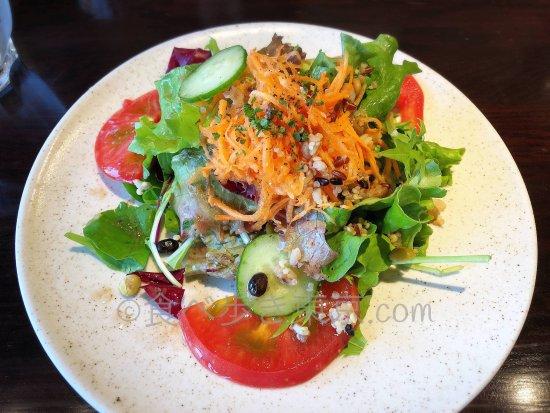 新宿タカシマヤ「ブレッツカフェクレープリー」のランチセットのサラダ